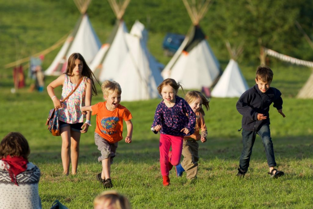 sh-kids-and-tipis